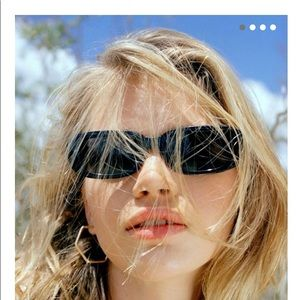 Sausalito RectangleSunglasses frm UrbanOutfitters